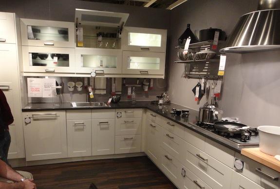 Kuchnia kolorowa czy biała?  emama  Forum dyskusyjne   -> Kuchnia Ikea Adel