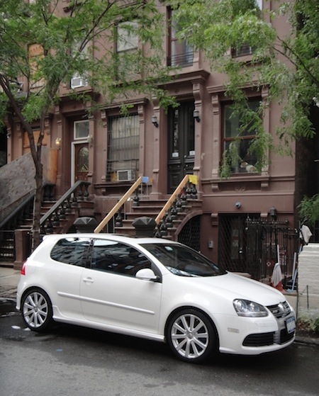 '08 VW R32 getting cleaned outside a Harlem brownstone